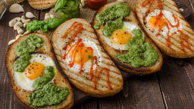 Hot sauce eggs toast.jpg