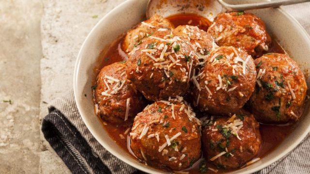 Meatballs tomato sauce.jpg