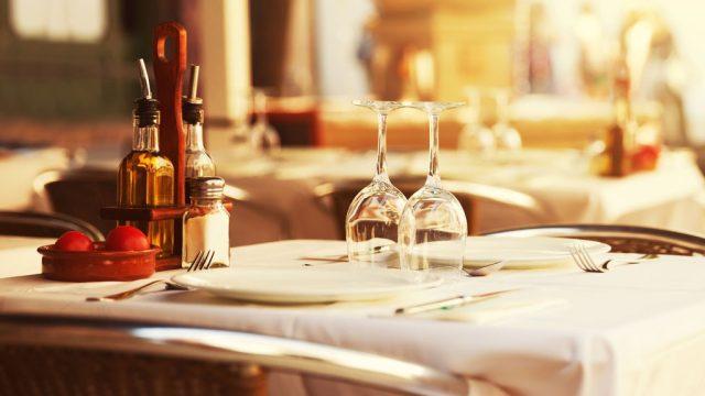 Restaurant table.jpg