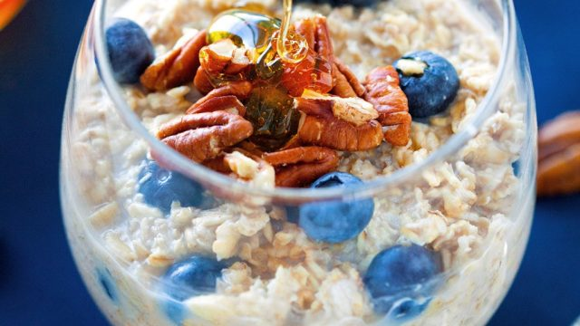 Overnight oats with blueberries and walnuts