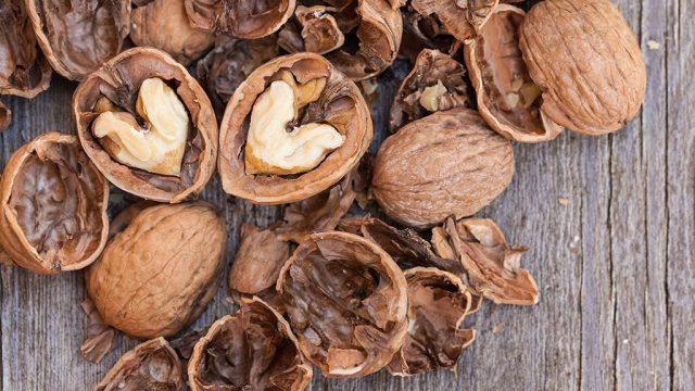 Heart health walnuts.jpg