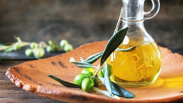 Olive oil v3.jpg