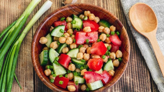 Chickpea and tomato salad.jpg