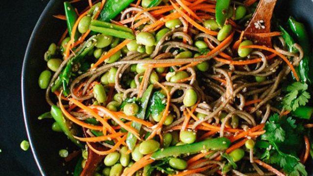 Sugar snap pea and carrot soba noodles.jpg
