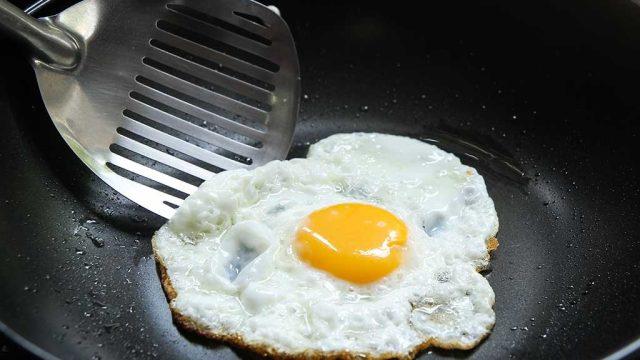 Fried egg in skillet