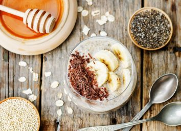 Banana chocolate overnight oats