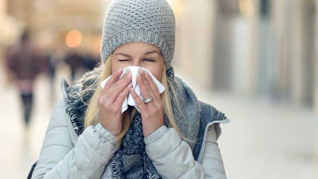 Common cold sneeze.jpg