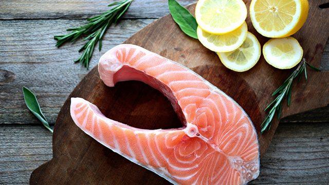 Salmon steak 8 reasons why you should never order salmon.jpg