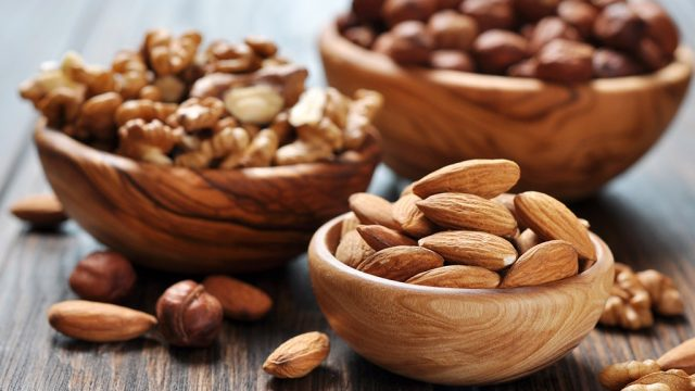 Mixed nuts 5 foods fight stress.jpg
