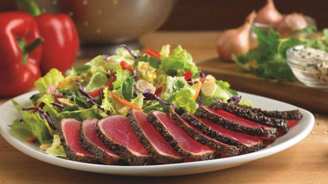 Outback steakhouse sesame ahi tuna salad.jpg