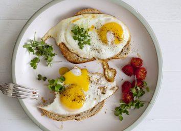 egg on toast