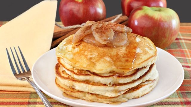 Apple pancakes 2.jpg