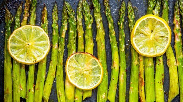 Asparagus with lemon