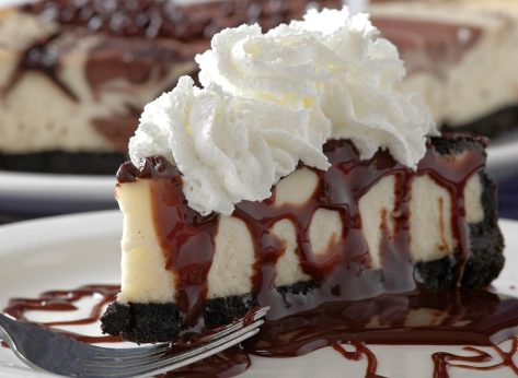 What 10 Diet Experts Order at The Cheesecake Factory