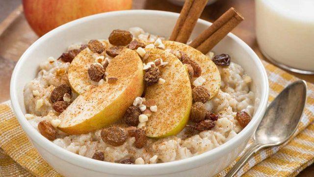 Oatmeal with cinnamon apples shutterstock.jpg