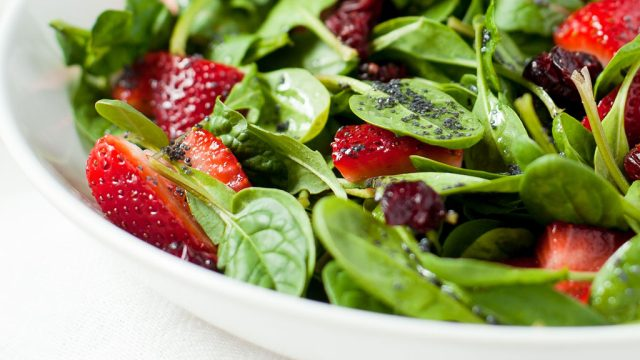 Strawberry spinach salad poppyseed dressing