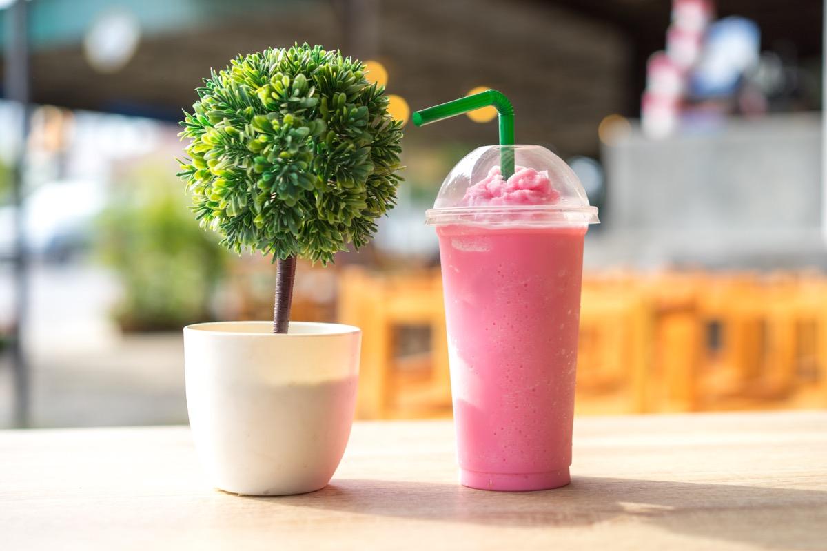 Restaurant smoothie plastic cup