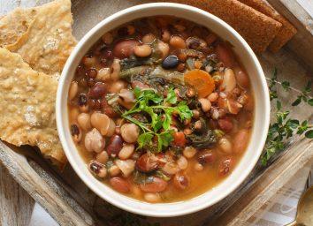 Cooke bean legume soup stew