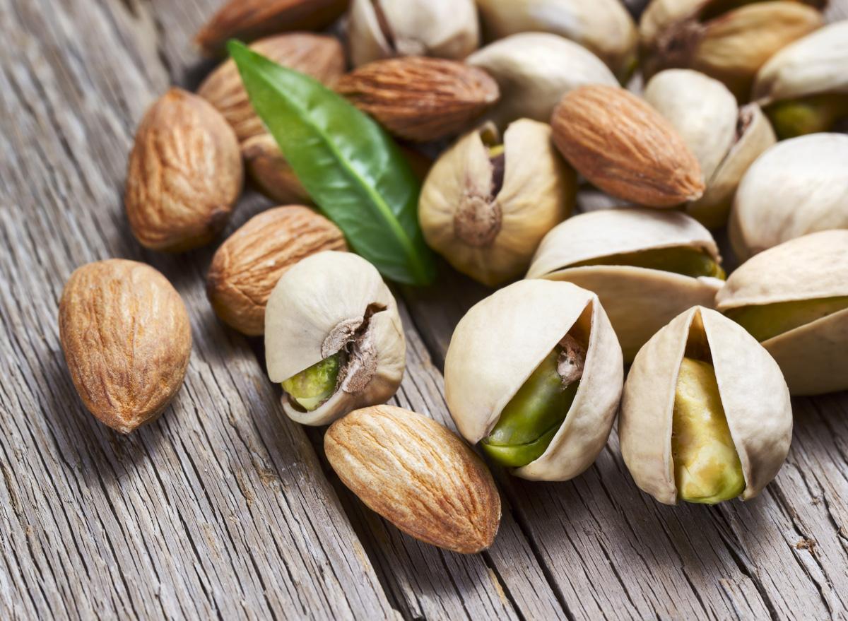 Pistachio almond mixed nuts