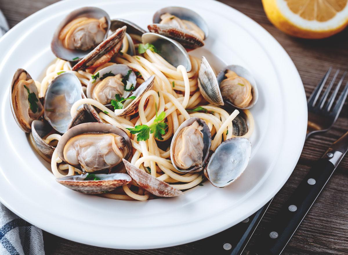 Clams with linguine - calcium rich foods