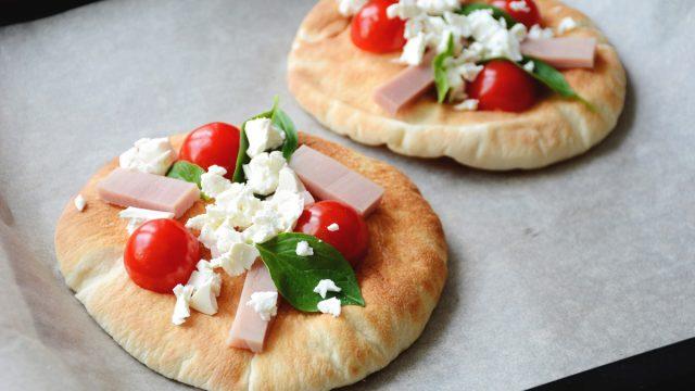 mini pita pizza bites