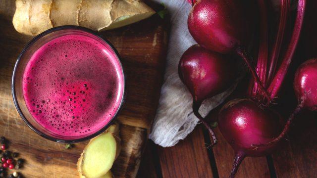 Ginger beet smoothie juice