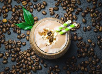 Coffee oat cinnamon smoothie
