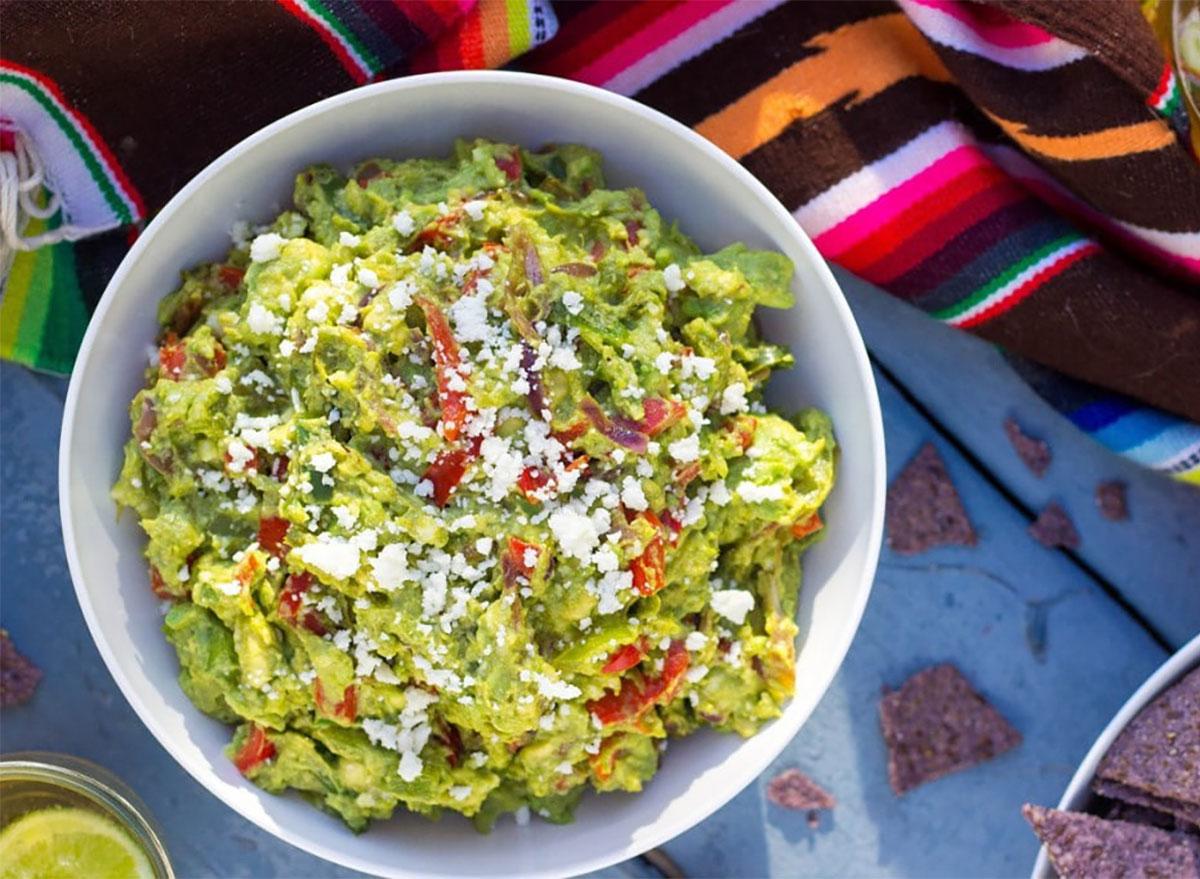 fajita guacamole in bowl