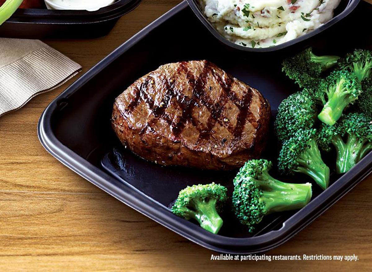 Healthiest restaurant dish Applebee's 6 oz sirloin garlic mashed potatoes steamed broccoli