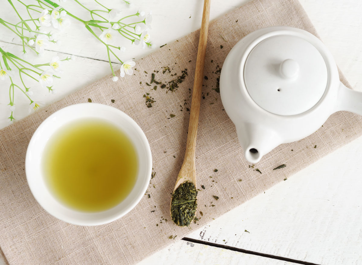 Brew green tea - how to beat weight loss plateau