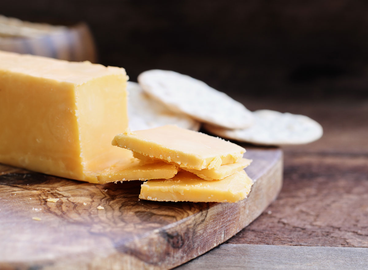 Cheddar cheese slices crackers