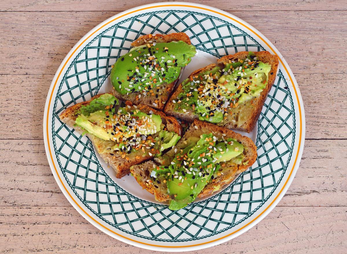 Avocado toast everything bagel seasoning