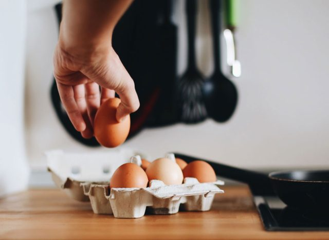 Cooking egg from carton
