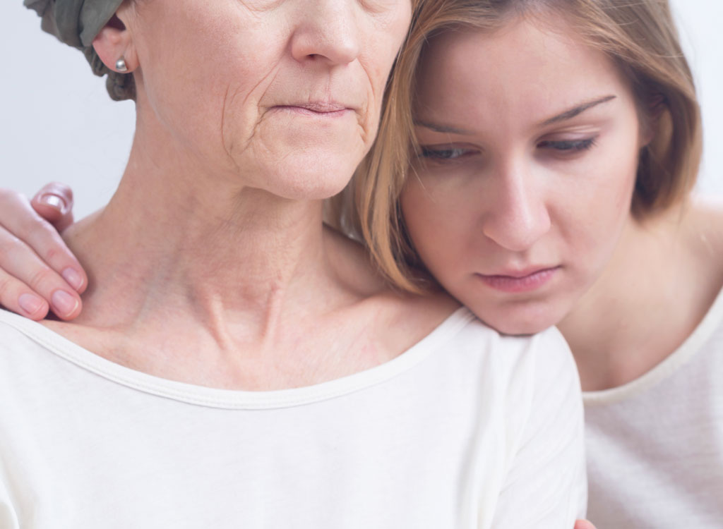 daughter with mother who has cancer