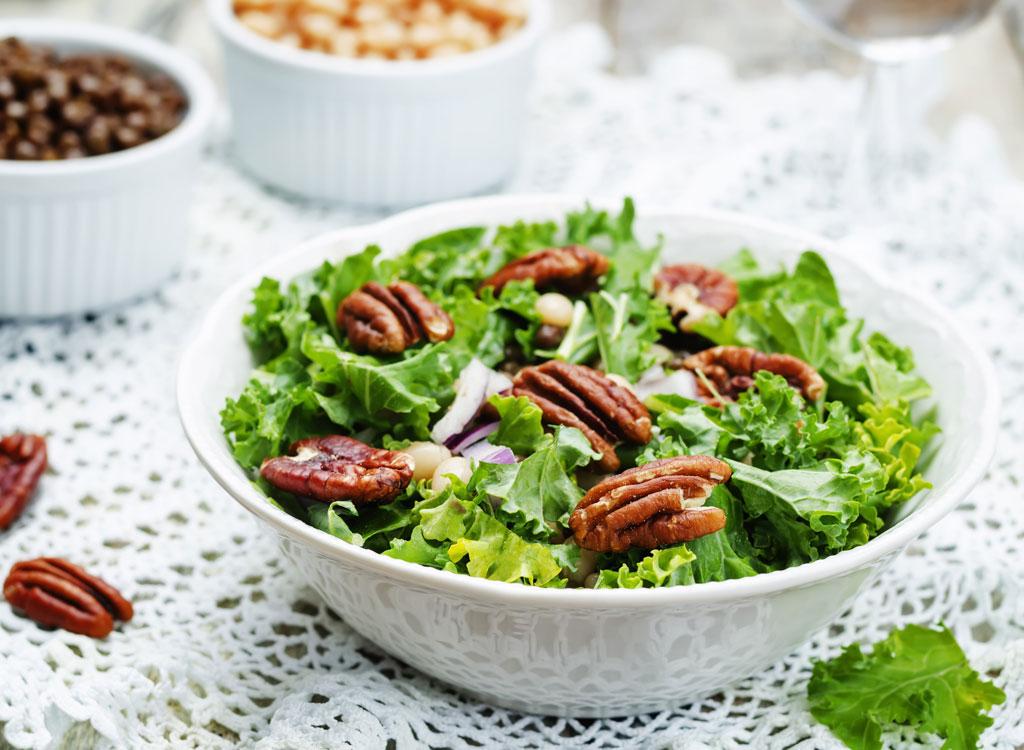 Pecans kale salad