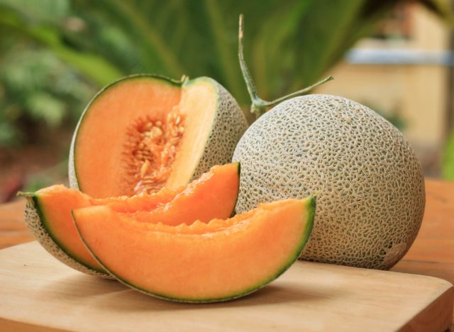 Cantaloupe sliced