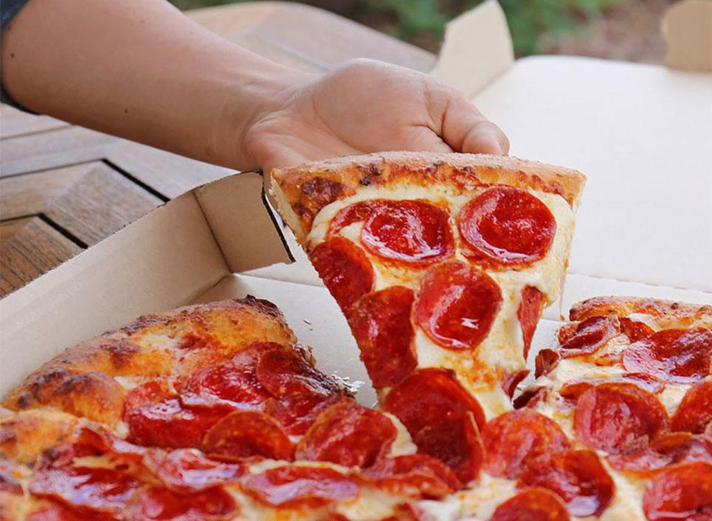 Pizza hut pepperoni pizza