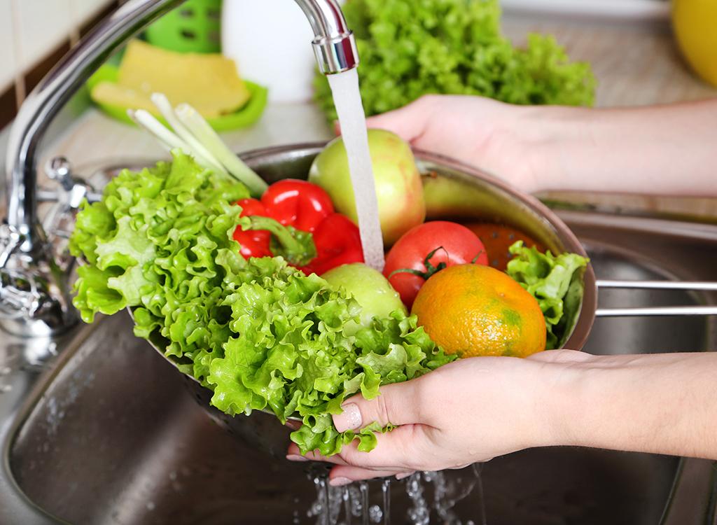Washing veggies