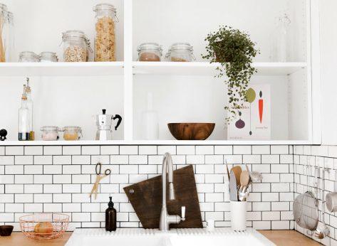 clean kitchen organized