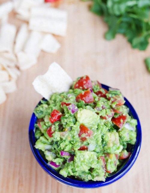 Guacamole with frozen peas