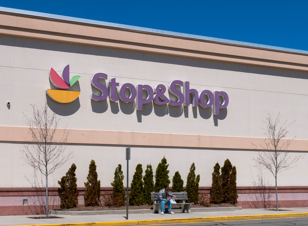 Stop and shop grocery store exterior