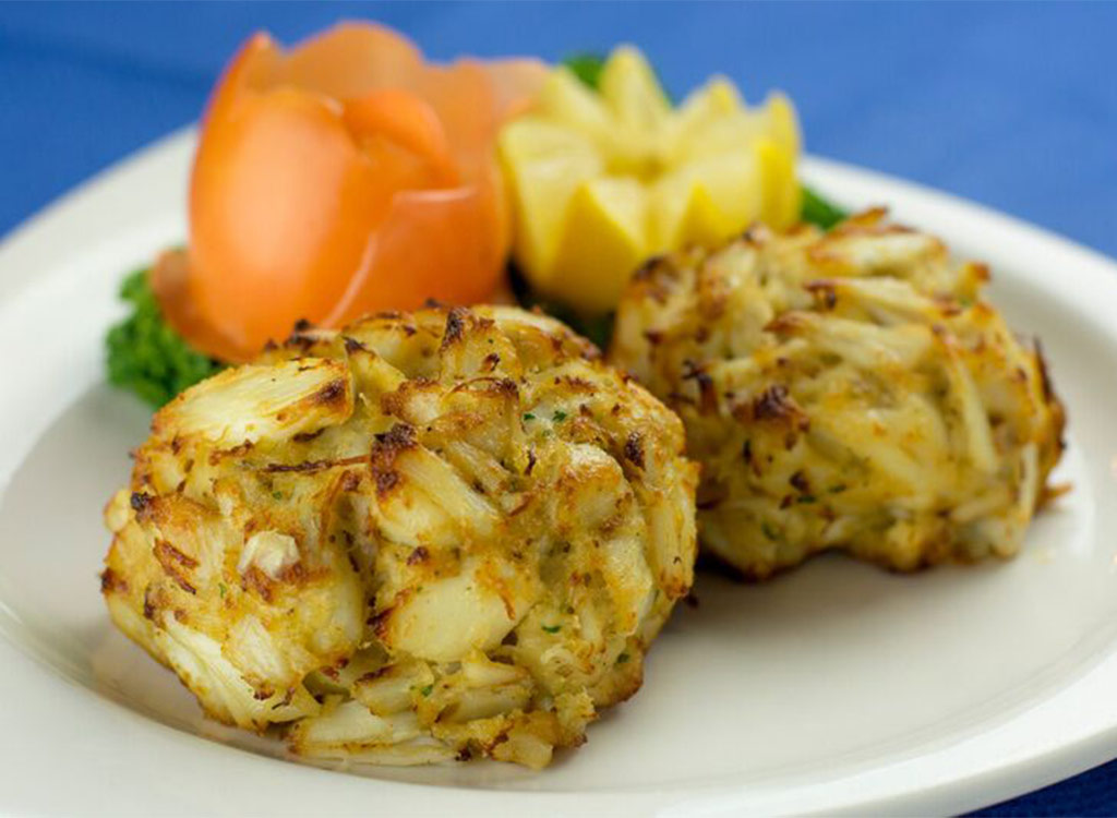 crab cakes on plate