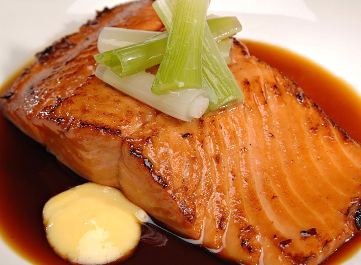 slow cooker maple salmon