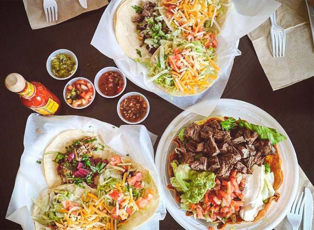 Zona fresca taco plates with salsa