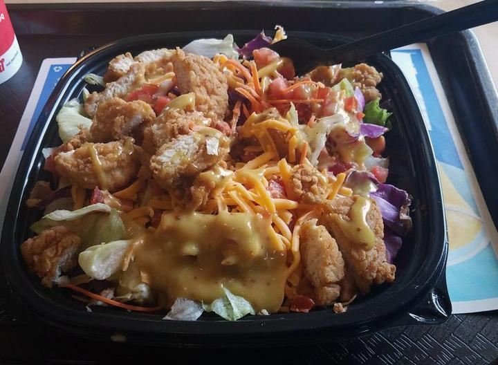 DQ cripsy chicken blt salad
