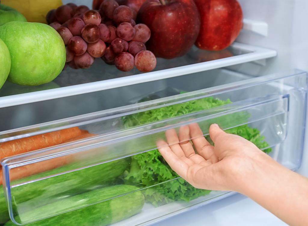 Refrigerator bottom drawer