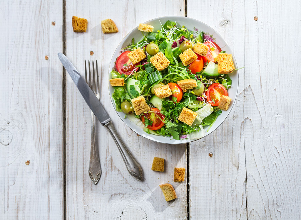 Salad croutons tomatoes green olives