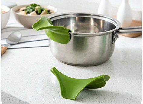 2 piece silicone pour spout slip on pour from bowls pans pots