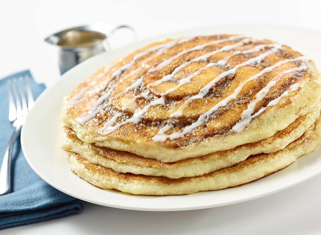 Cheesecake factory cinnamon roll pancakes