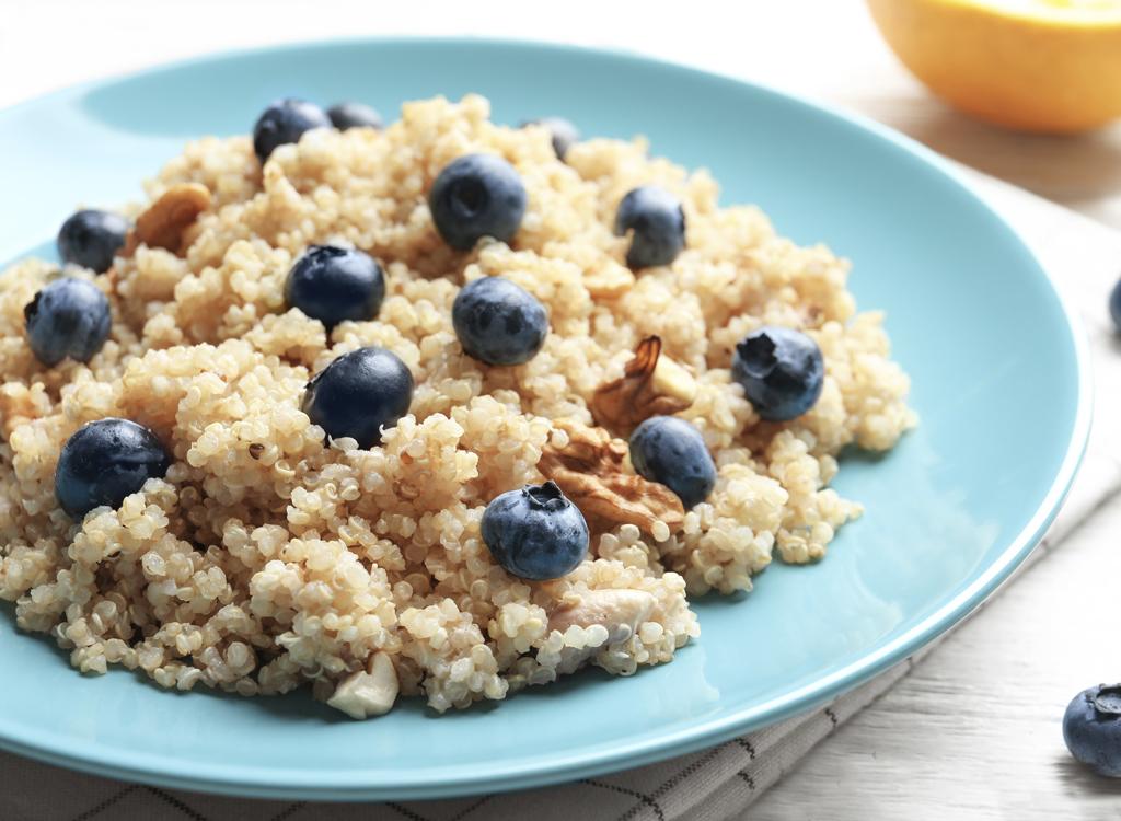 Cinnamon quinoa with blueberries